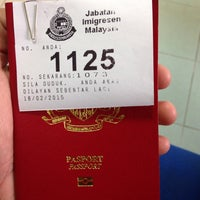 Photo taken at Jabatan Imigresen Malaysia - Melaka by Haikal H. on 2/18/2015