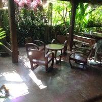 Photo taken at Baanlapoon Hotel / โรงแรมบ้านหละปูน by Benja S. on 10/17/2016