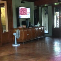 Photo taken at Baanlapoon Hotel / โรงแรมบ้านหละปูน by Benja S. on 9/3/2016