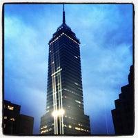 Foto tomada en Torre Latinoamericana por Kenny C. el 11/6/2012