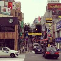 Photo taken at Starbucks by Masayoshi T. on 7/10/2013