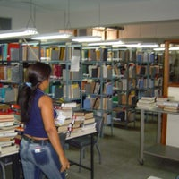 Photo taken at Biblioteca - UPTOS Clodosbaldo Russián by Frank J M. on 11/8/2013