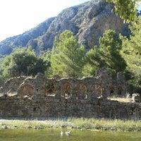 Foto diambil di Olympos Antik Kenti oleh Fatos pada 7/25/2013