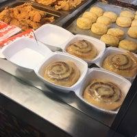 Photo taken at Popeyes Louisiana Kitchen by Meredith M. on 11/3/2016