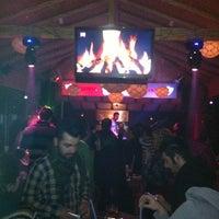 Foto tirada no(a) Bar19 por Murat H. em 2/22/2013