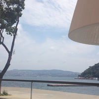 Photo prise au The Grand Tarabya par Turkan K. le7/7/2013