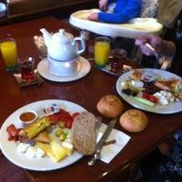 2/17/2013 tarihinde Damla T.ziyaretçi tarafından Funda Cafe & Patisserie'de çekilen fotoğraf