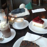 Das Foto wurde bei Chocolat Grand Café von Vini P. am 1/19/2013 aufgenommen