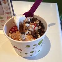 Photo taken at Yoyo's Yogurt Cafe by Larissa H. on 5/11/2014
