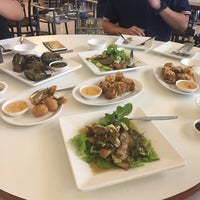 Photo taken at ร้านอาหารปราสาททอง by Parawee T. on 8/4/2017