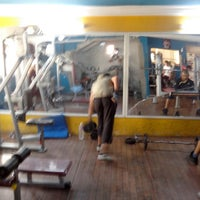 Photo taken at EXTREME SPORT EL MOUROUJ 1    CLUB DE FITNESS by Hamza A. on 5/12/2013
