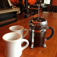 Das Foto wurde bei Caffe Fiore von Carly S. am 1/29/2013 aufgenommen