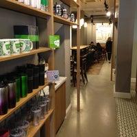 4/20/2013 tarihinde Sahin P.ziyaretçi tarafından Starbucks'de çekilen fotoğraf