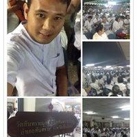 Photo taken at Wat Mueang Lang by เจ้าชายเกิบแตะ ล. on 8/6/2013