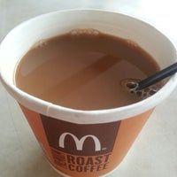 Photo taken at McDonald's by Axl T. on 9/22/2013