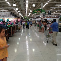 Photo taken at Jumbo by Gustavo A. on 2/3/2013