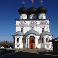 Foto scattata a Успенский Трифонов монастырь da Ксенечка М. il 4/14/2013