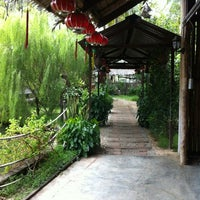 Photo taken at Mae Salong Restaurant (美斯樂餐廳) by Phooi Kuan W. on 11/24/2012