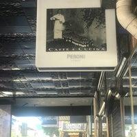 Foto scattata a Caffe e Cucina da Alan C. il 1/14/2018