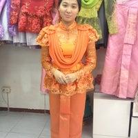 Photo taken at ร้านคุณน้อง Wedding & Studio มหาชัย สมุทรสาคร by iSapphawat on 4/29/2013
