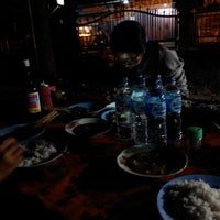 Photo taken at Pasar Agung Desa Adat Peninjoan by Cervantes P. on 6/7/2014