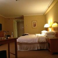 Photo taken at Sheraton Warsaw Hotel by ROCKNROLLA B. on 3/31/2013