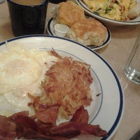 Photo taken at Bob Evans Restaurant by Julia M. on 1/19/2013