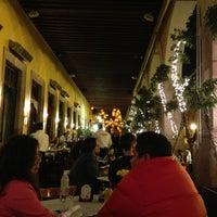 Photo taken at Hank's Querétaro by Luis V. on 9/10/2013