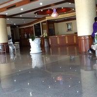 รูปภาพถ่ายที่ สำนักงานสรรพากรนนทบุรี โดย SABAIWONG19 เมื่อ 8/27/2013