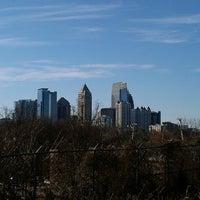 2/18/2013 tarihinde Tadlockziyaretçi tarafından Atlanta BeltLine Corridor under Freedom Pkwy'de çekilen fotoğraf