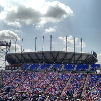 Photo taken at Louis Armstrong Stadium by J L. on 8/30/2013