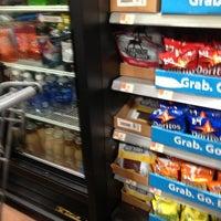 Das Foto wurde bei Walmart Supercenter von Karen W. am 2/9/2013 aufgenommen