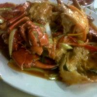 """Photo taken at Santiga Seafood """"Abeng"""" Benhil by Galuh N. on 12/9/2012"""
