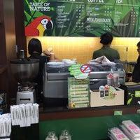 Photo taken at Café Amazon by P. 양귀비 on 3/10/2017