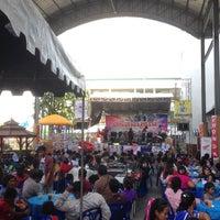 Photo taken at โรงเรียนเทศบาล 1 บ้านท่าหิน by P. 양귀비 on 11/9/2013