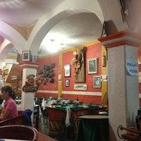 Foto tomada en Restaurante El Campanario por Pam S. el 3/30/2013