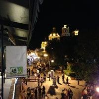Foto tomada en Cilantro y Perejil por Pam S. el 3/29/2013