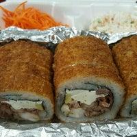 Foto tomada en Tu Rollo Cinco Sushi por Ramses R. el 12/4/2016