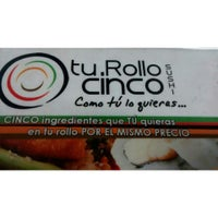 Foto tomada en Tu Rollo Cinco Sushi por Ramses R. el 5/4/2015
