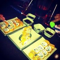 Foto tomada en Sushi Ken por Carolina P. el 1/24/2013