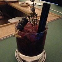 Das Foto wurde bei Falk's Bar von Alexa M. am 1/26/2013 aufgenommen