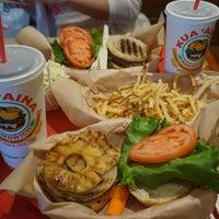 Photo taken at Kua'āina Sandwich by Minseok P. on 11/25/2016