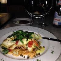 Photo taken at Mia Bella Trattoria - Sugar Land by Umit A. on 11/4/2014