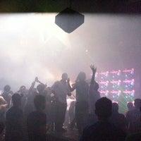Foto tirada no(a) ZIRCA Mega Club por ABHICHA H. em 12/30/2012