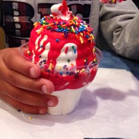 Photo taken at Dairy Queen by Kelly on 10/11/2013