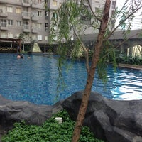 Photo taken at Swimming Pool Royal Mediterania Garden by santi on 8/4/2013