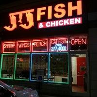 Photo taken at J&J Fish & Chicken by Mz.jennell jones/Chlt Peach on 2/21/2013
