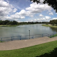 Photo taken at Parque Metropolitano Simón Bolívar by Carlos M. on 11/9/2012