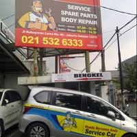 Photo taken at Honda Permata Hijau Automegah by Ming A. on 5/31/2014