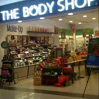 Photo taken at The Body Shop by Ming A. on 12/31/2013